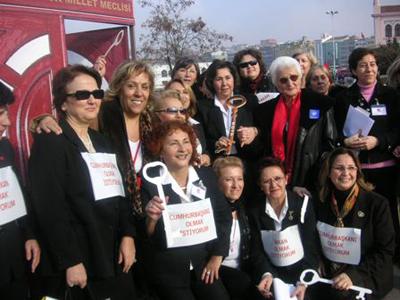 Türk Modernleşmesinde Kadının Kamusal Varlığı…