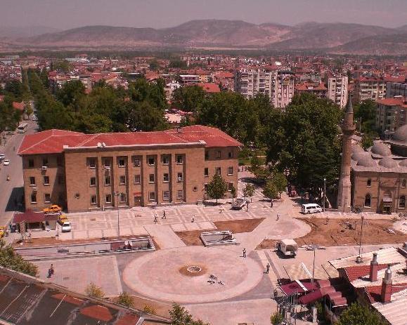 """Isparta """"Yeni Kent Meydanı Projesi""""nin Düşündürdükleri"""
